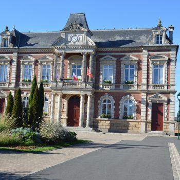 Facade de la mairie de Grand Bourgtheroulde